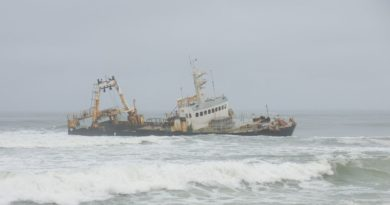 Skeleton Coast – Shipwrecks, Skeletons, and Sorrow